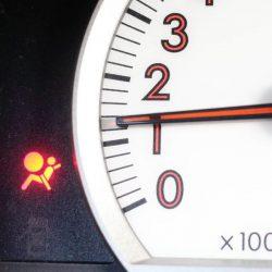 témoin d'avertissement airbag allumé
